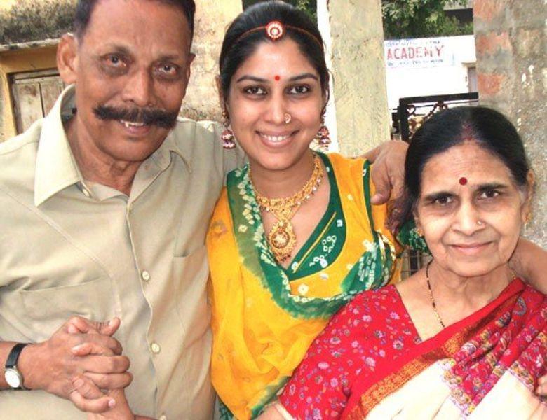 Sakshi Tanwar parents